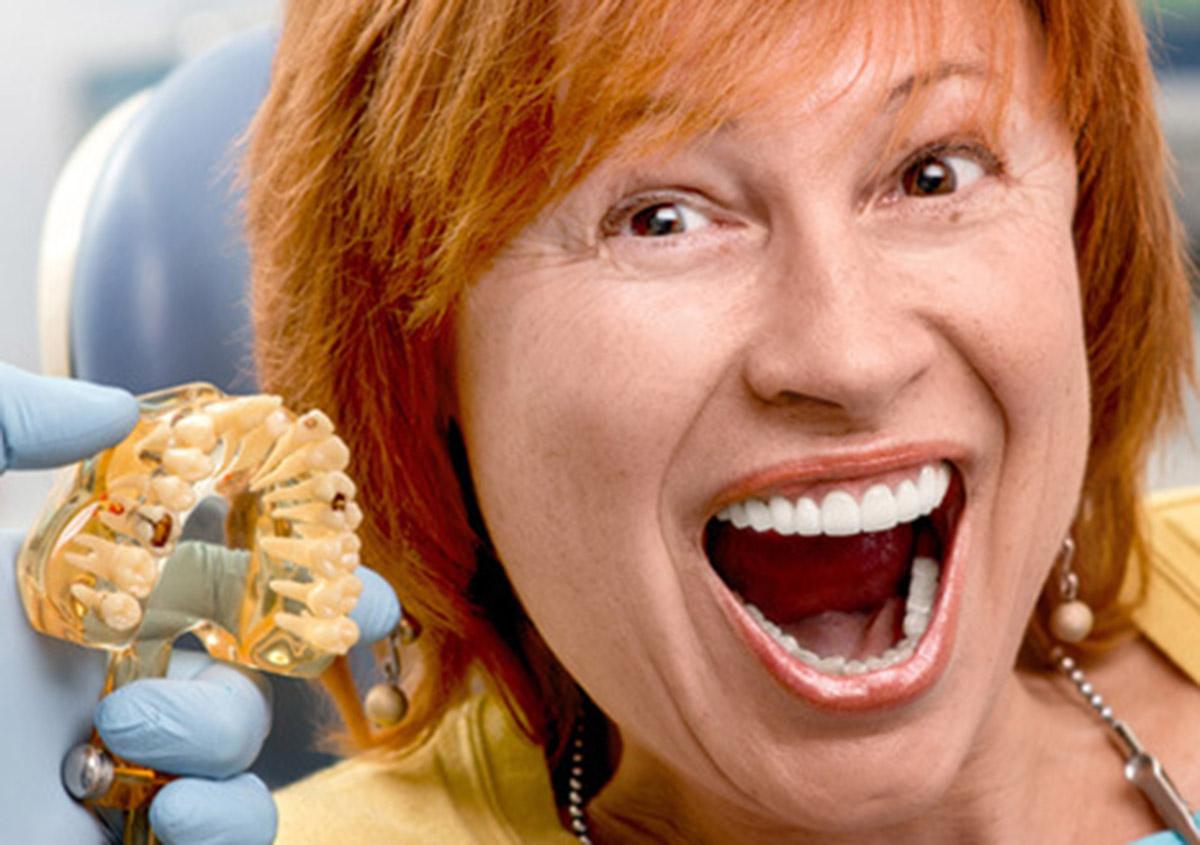 Senior woman in the dental